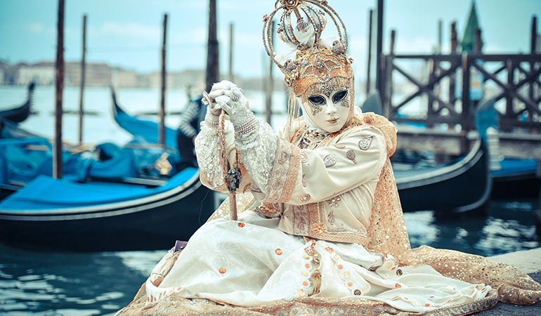Venice Carnival Survival Guide (Masks & Costumes) | DoTravel