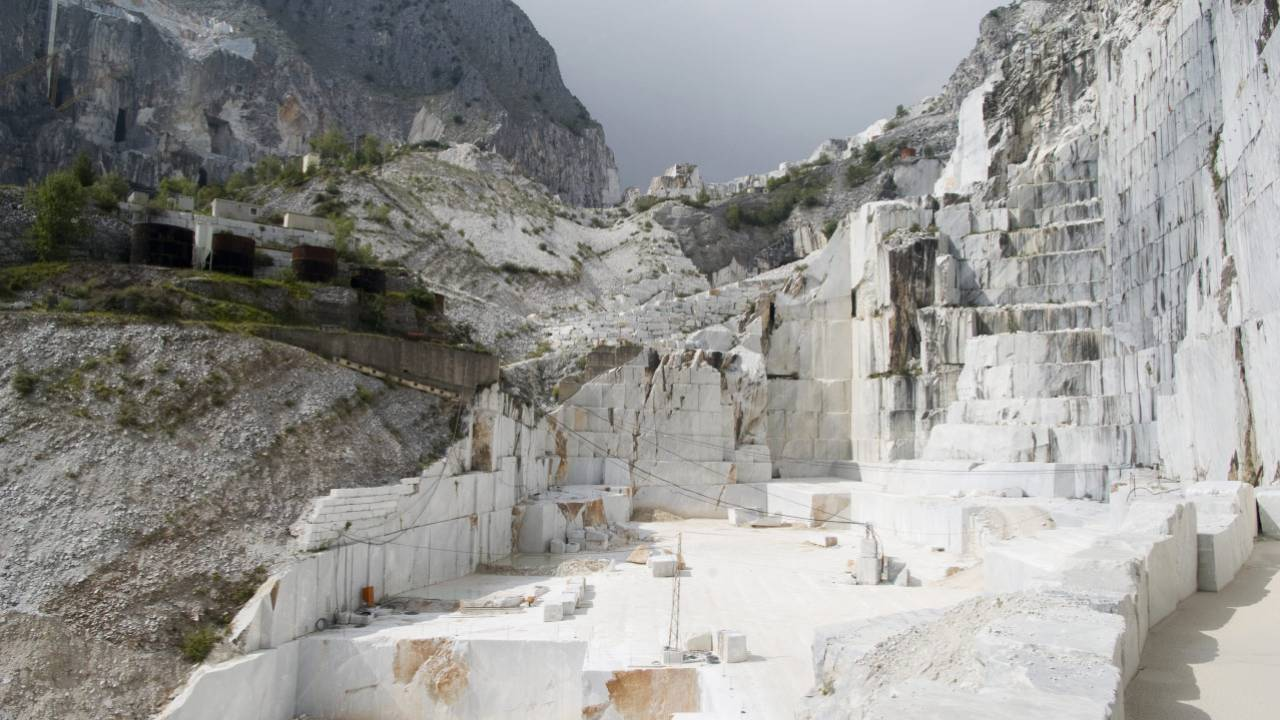 Pisa, Lucca and Carrara Marble Tour from Florence