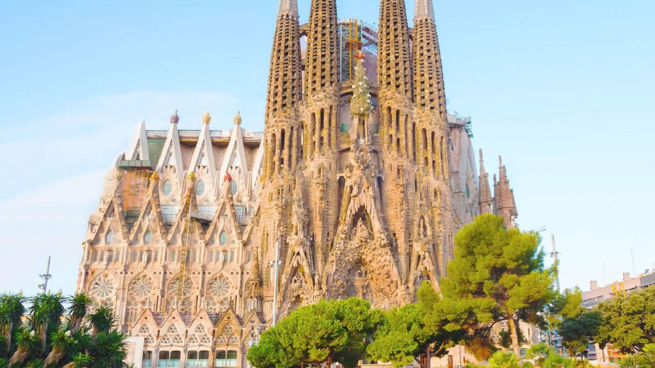 Barcelona Tours Sagrada Familia Park Guell Tour Dotravel