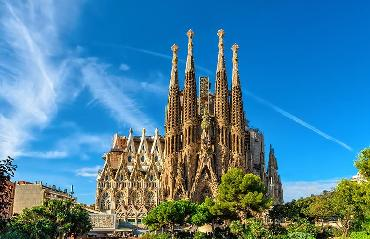 Fast track Sagrada Familia Tour with headphone to hear properly