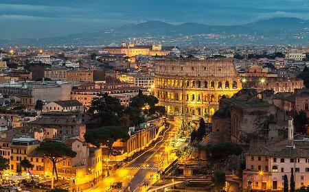 largest Roman amphitheater visit by our Colosseum Night Tour