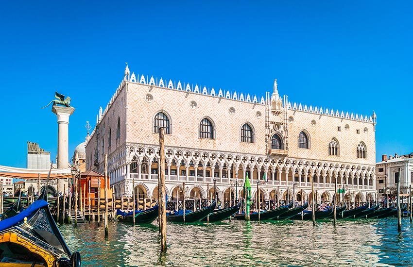 Visit masterpiece of Gothic architecture by Doge's Palace Tour