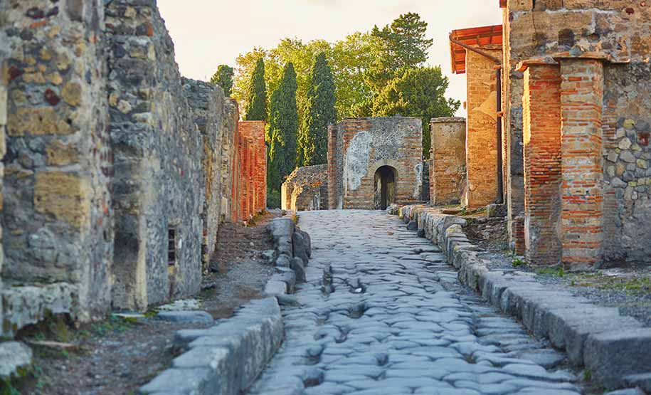 Pompeii Tours with guide
