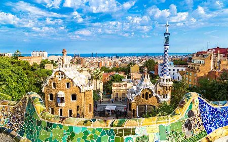Barcelona Tours to sagrada Familia and Park Guell